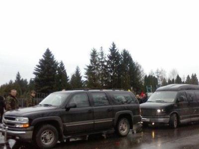 """""""Правый сектор"""" признал: Ярош ездит на авто из гаража Януковича (ФОТО)"""