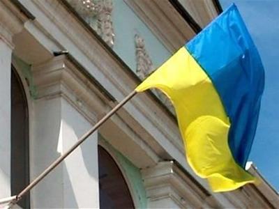 Снять флаг Украины с Меджлиса приехал целый автобус с самообороновцами