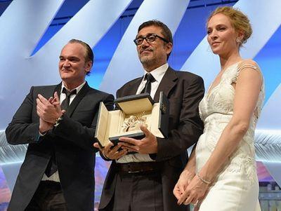 Награду Нури Бильге Джейлану вручила известная голливудская актриса Ума Турман и режиссёр Квентин Тарантино.