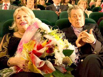 Людмила ПОРГИНА и Николай КАРАЧЕНЦОВ в октябре 2014-го на премьере фильма «Белые росы. Возвращение».