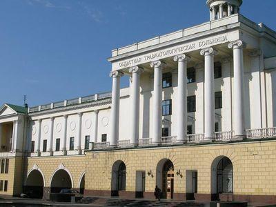 Огромное здание, как и уникальное оборудование, осталось в Донецке.
