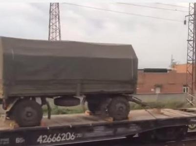 К границе приближается российский эшелон с новой техникой