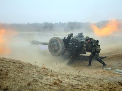 Ситуация на Донбассе продолжает обостряться, боевики ведут обстрелы из тяжелой артиллерии (ВИДЕО)