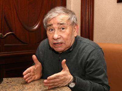 Актера Михаила Светина срочно госпитализировали