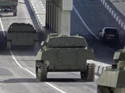 По Донецку промчалась колонна с зенитными установками