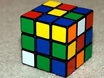 Установлен новый мировой рекорд по скорости сборки кубика Рубика (ВИДЕО)