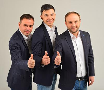 Трио «Экстрим» желает жителям Донбасса в наступающем 2016-м мира, здоровья, терпения, уважения, любви и благополучия.