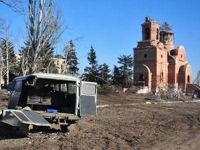 Некогда цветущий поселок Пески сейчас практически весь превратился в руины.