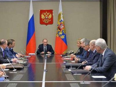 Путин созвал Совбез, где говорил об Украине