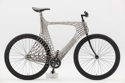 """Голландские студенты """"напечатали"""" велосипед из нержавейки (ВИДЕО)"""