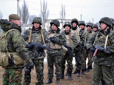 На мариупольском направлении морпехов РФ усиливают живой силой и боеприпасами, - разведка