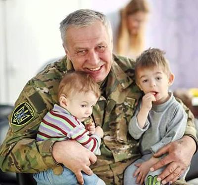 Сергей Иванович навсегда запомнил глаза малышей в детдоме.