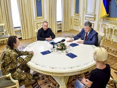 Настоящий полковник: президент Украины встретился с героем, пережившим почти два года донбасского плена