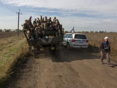Боевики совершили 24 обстрела: в направлении Широкино, Водяного и Красногоровки били из 120-мм и 82-мм минометов, - штаб АТО - Цензор.НЕТ 5001