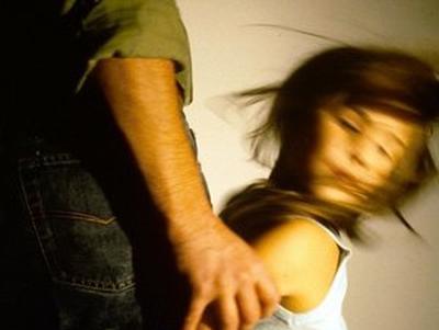 моняк насилует девочек