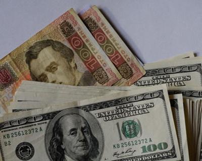 Обесценивание гривны: доллар будет по 30 грн