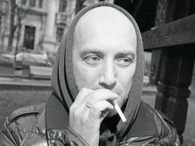 """Новоиспеченный """"командир"""" и """"майор"""" Захар Прилепин намерен перевезти в Донецк свою семью"""