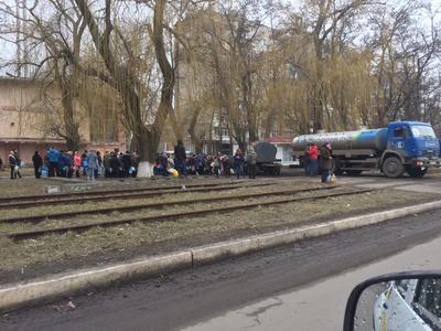 Из ночных клубов погрузить всех в автобусы и отправить на воюющий Донбасс - боец ВСУ о двух украинских  реальностях