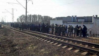Важная ветка на железной дороге Москва-Киев взята под полный контроль активистами торговой блокады