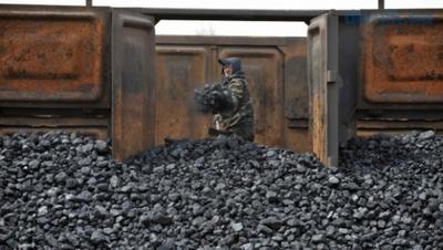 Активисты блокады похитили уголь на 1,4 млн грн, – Укрзализныця