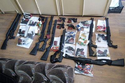 """Захват здания """"Облэнерго"""" в Черкассах: опубликованы кадры задержания захватчиков (ВИДЕО)"""