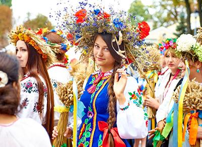 Украинцы станут меньше отдыхать: какие праздники отменили (инфографика)