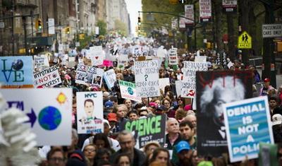 Наука встала на тропу войны: Почему ученые вышли на улицы по всему миру