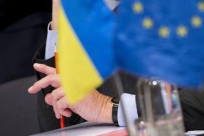 Европарламент назвал дату, когда для украинцев откроют границы