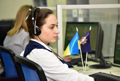 «Отчим бьет маму!» Славянская школьница попросила помощи полицейских