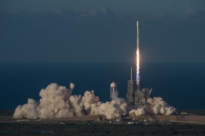 SpaceX запустила спутник для раздачи Интернет в самолетах
