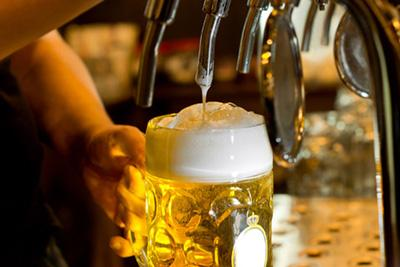 Вчені назвали усі плюси і недоліки пива