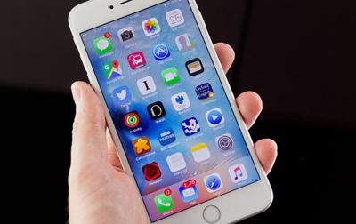 """Apple выпустила первые """"индийские"""" iPhone"""