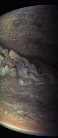 Науковці NASA вперше отримали світлини зроблені у безпосередній близькості від Юпітера