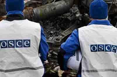 В зоне АТО грузовик с гражданскими наехал на мину