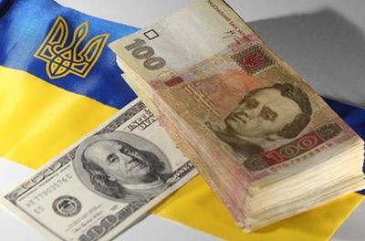Доллар и евро атаковали гривну: свежий курс от НБУ