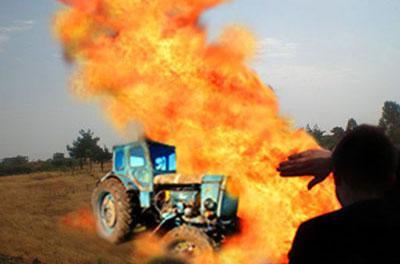 Взрыв в Гнутово: взлетел на воздух трактор, есть пострадавшие