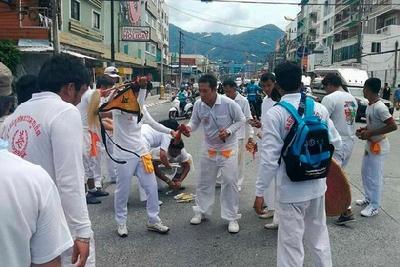 В Таиланде спасатели устроили охоту на духов, которых считают виновниками ДТП