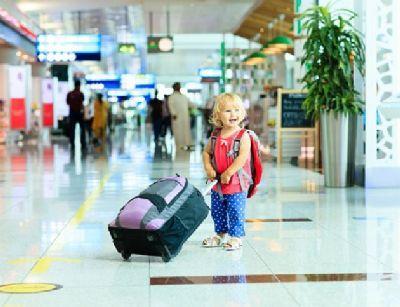 Подорож до Європи з дитиною по безвізу: основні нюанси