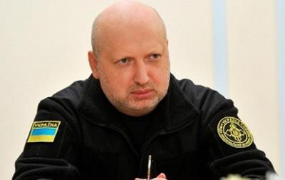 Россия стремится обеспечить оружием террористов по всему миру: Турчинов прокомментировал скандальное заявление Путина о поставке летального оружия в Украину