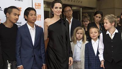Анджелина Джоли пророчит своим детям карьеру в Голливуде