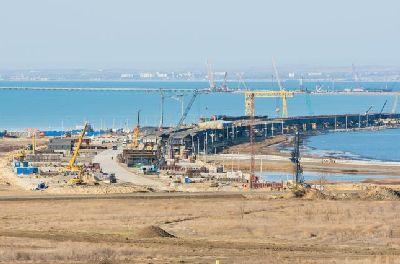 Керченский мост несет убытки Мариуполю