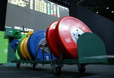 Украинcких тяжелоатлетов на год отстранили от международных соревнований