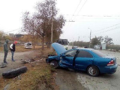 В Мариуполе столкнулись два авто