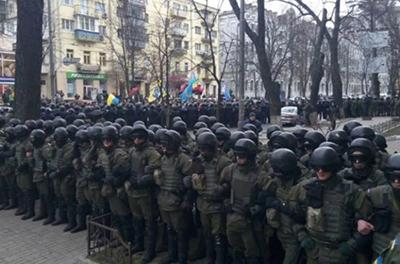 В центр Киева стягивают Нацгвардию
