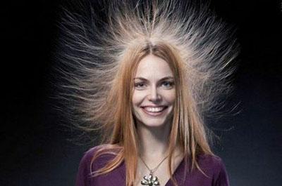 П'ять способів уникнути електризації волосся
