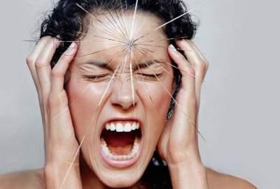 Медики назвали основную причину сильных головных болей