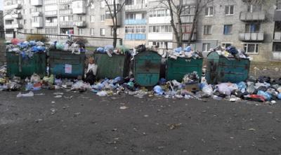 """""""Свободный"""" от всего Алчевск утопает в мусоре, горожане ждут новой беды и проклинают """"ЛНР"""""""