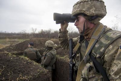 За сутки боевики 17 раз обстреляли позиции сил АТО на Донбассе: погиб один воин ВСУ