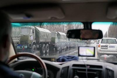 Вот такие военные колонны, идущие на Луганск, зафиксировали представители СММ ОБСЕ.