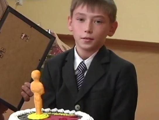 Донбасский мальчик сыграл себя в ленте о войне и стал кинозвездой: видеосюжет